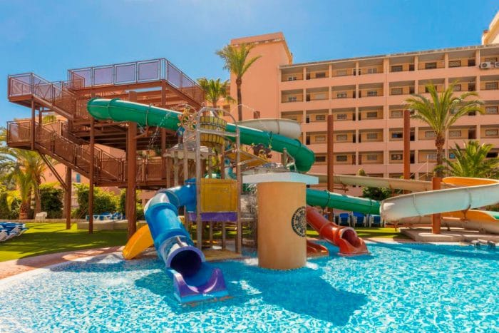 Hotel con toboganes Magic Tropical Splash, en Cala de Finestrat, Alicante