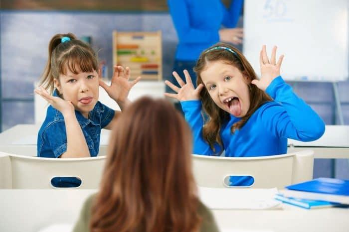 Padres defienden malas conductas hijos