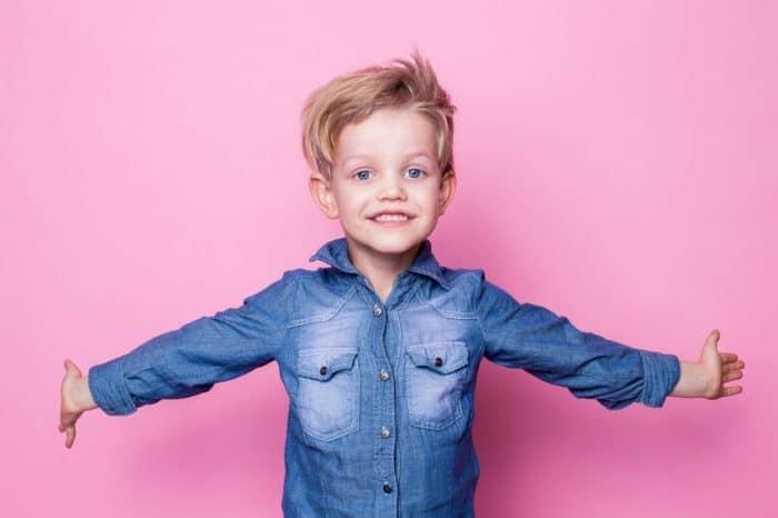 Enseñar habilidades escucha niños pequeños
