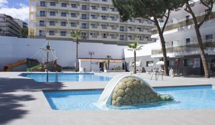 Hotel Oasis Park, en Salou, Tarragona, Cataluña