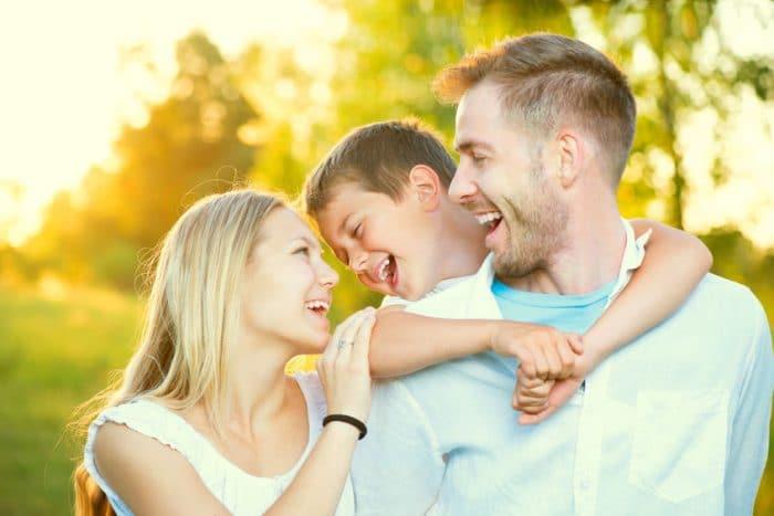 Matrimonio exitoso familia feliz
