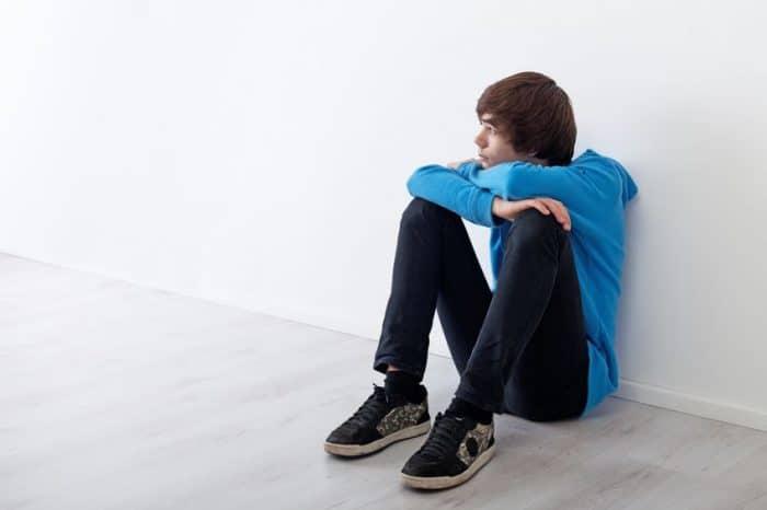 Adolescente quiere estar solo