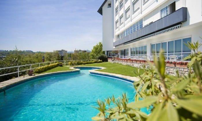 5 hoteles para ir con ni os en el pa s vasco etapa infantil for Hoteles con piscina en san sebastian