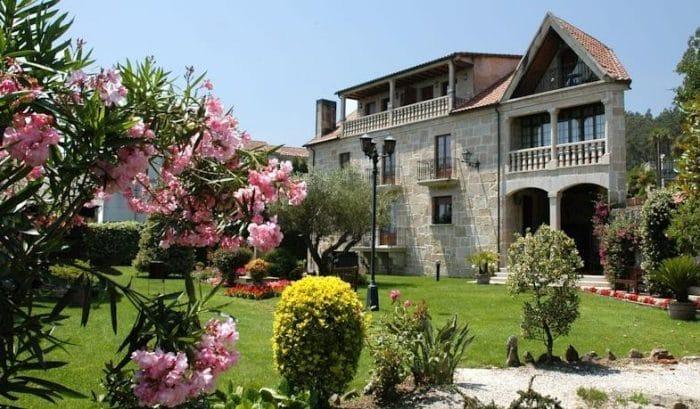 Hotel Casa Antiga do Monte, en Lestrove, A Coruña, Galicia