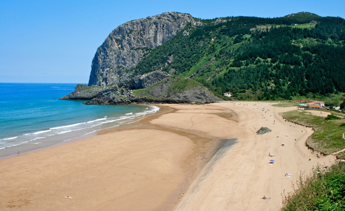 Playa de Laga, en Ibarrangelu, Vizcaya