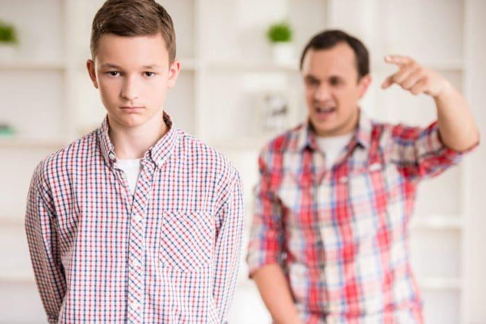 Señales que delatan que sufriste padres tóxicos