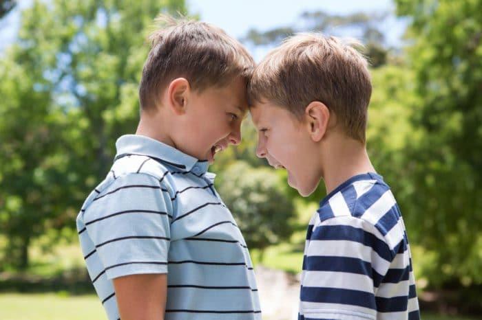 Solucionar peleas entre niños