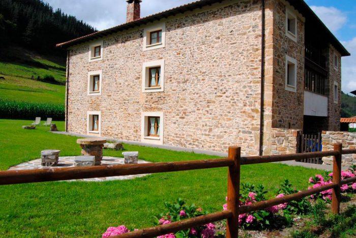 Casa rural Ca Lulón, en Yerbo, Asturias