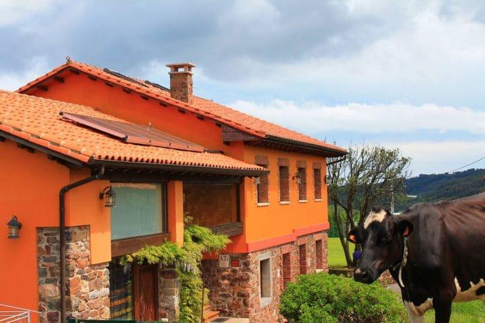 Casa rural Jesusa en El Pedregal, Logrezana, Asturias