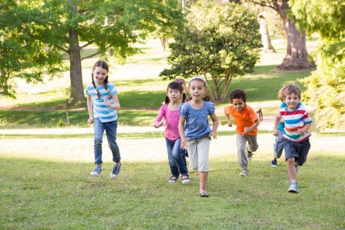 La importancia de los primos en la vida de los niños