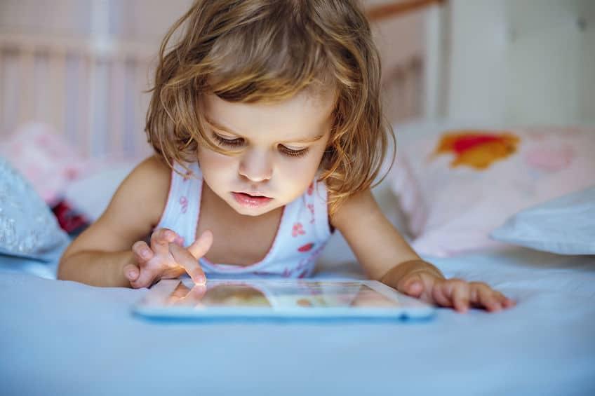 Uso de tablets y moviles en niños