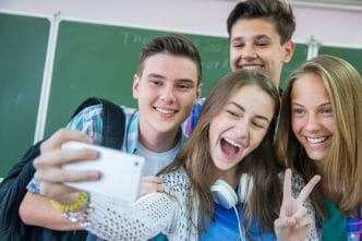 Necesidad conexión adolesecentes