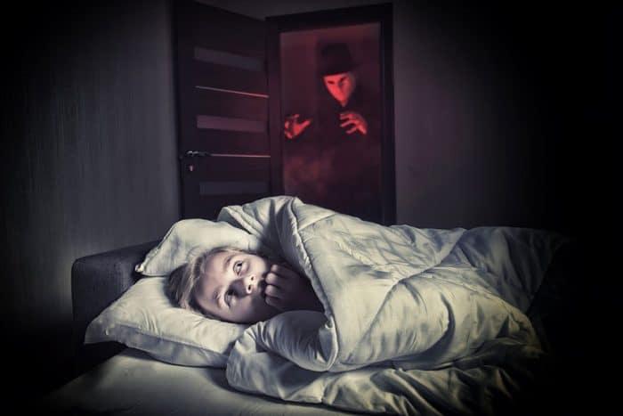 Niño superar miedos nocturnos