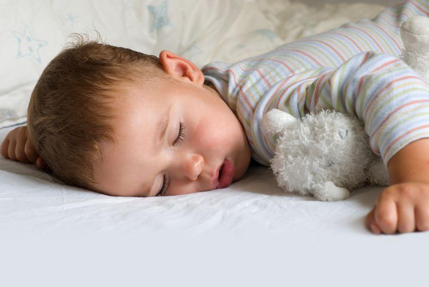 Niño pequeño no duerme bien