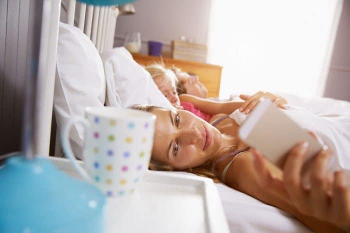 Padres, hijos y móviles una relación tóxica a tres