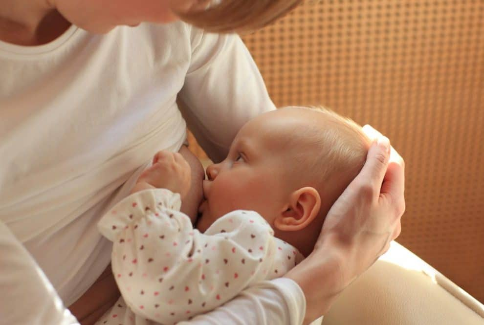 Amamantar bebé
