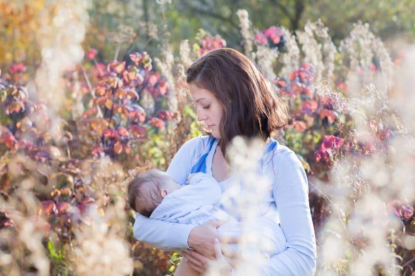 Tomar algo gratis mientras amamantas a tu bebé