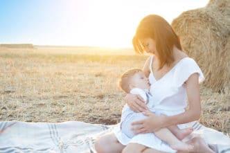 Cuánto tiempo se le da pecho a un bebé