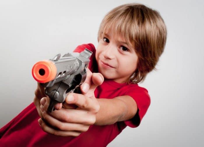 Juguetes bélicos desarrollo psicológico infantil