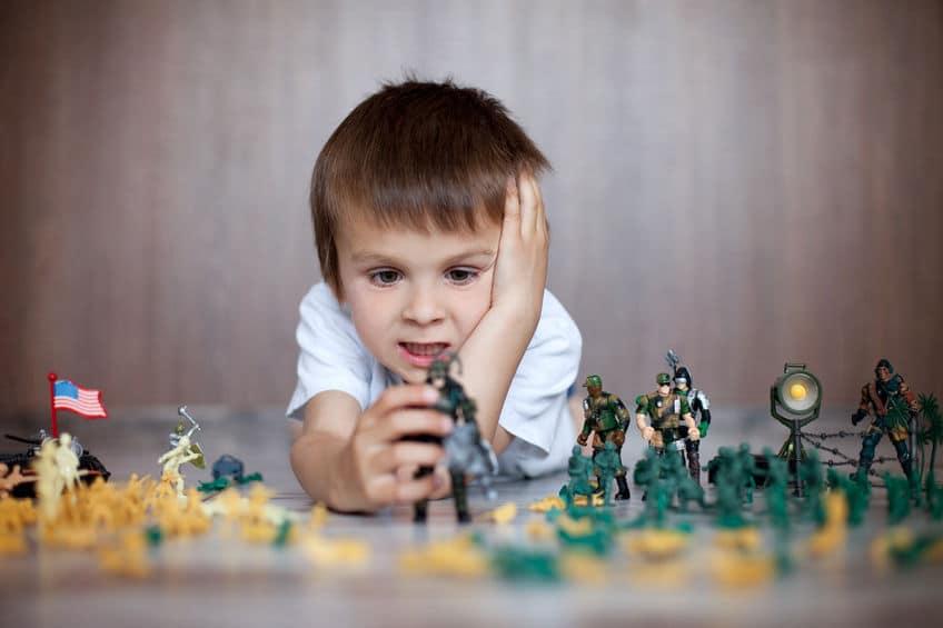 Juguetes bélicos para los niños