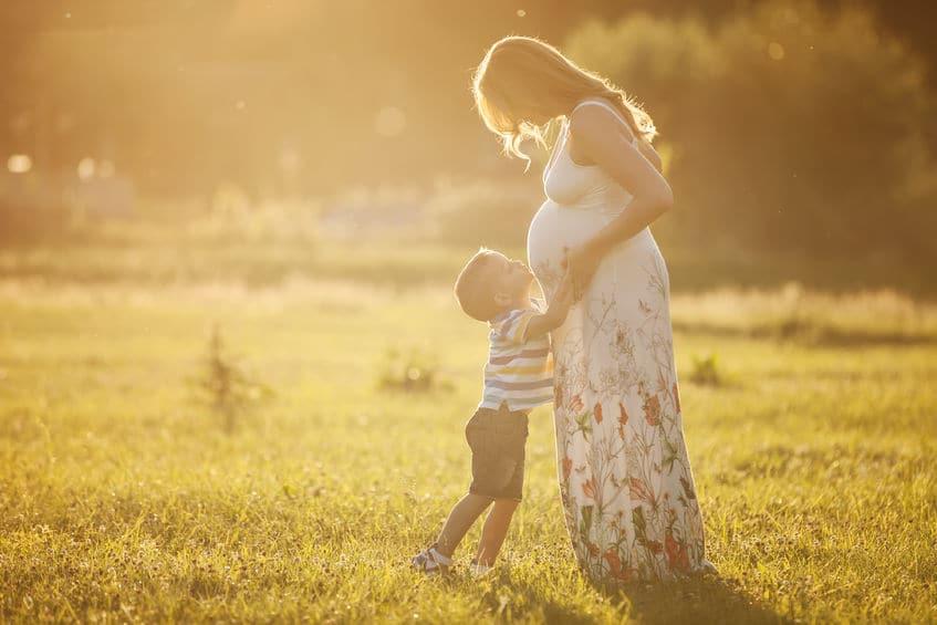 Preparar al niño para recibir a su nuevo hermanito