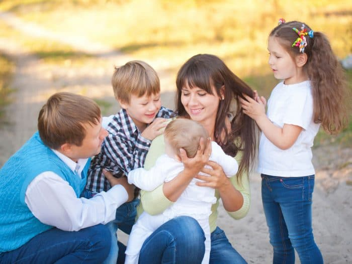 Tener tres o más hijos hoy dia