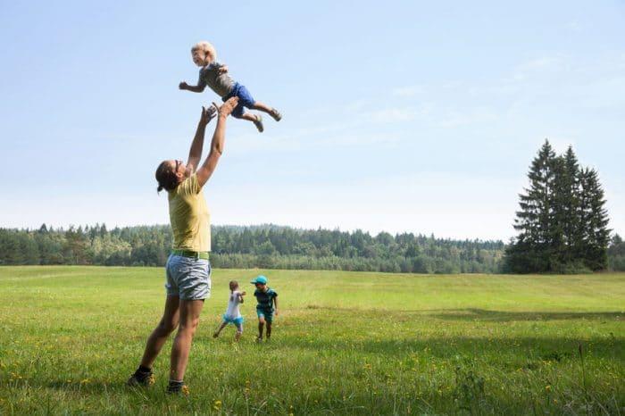 Ventajas y desventajas de tener tres, cuatro o más hijos