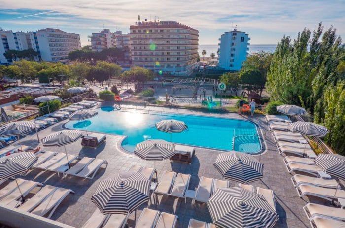 Hotel Checkin Sirius, en Santa Susanna, Barcelona