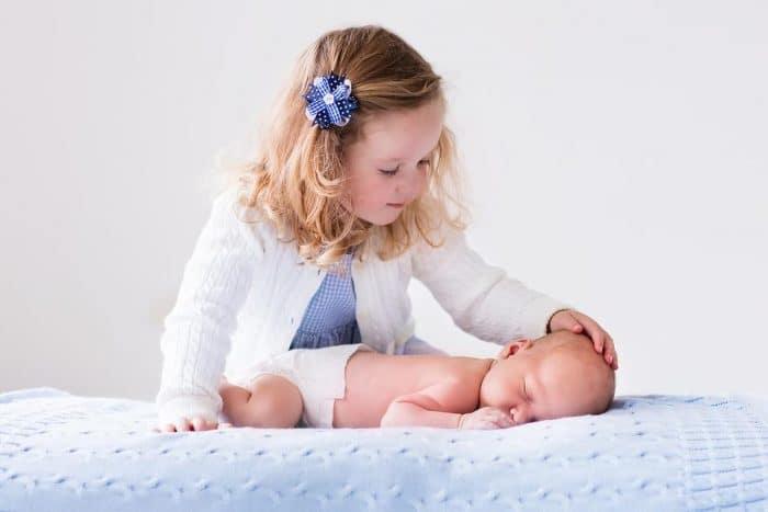 recién nacido segundo hijo