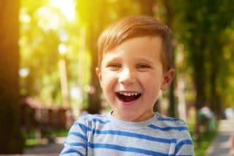 Ayudar a un niño con autismo fuera de casa