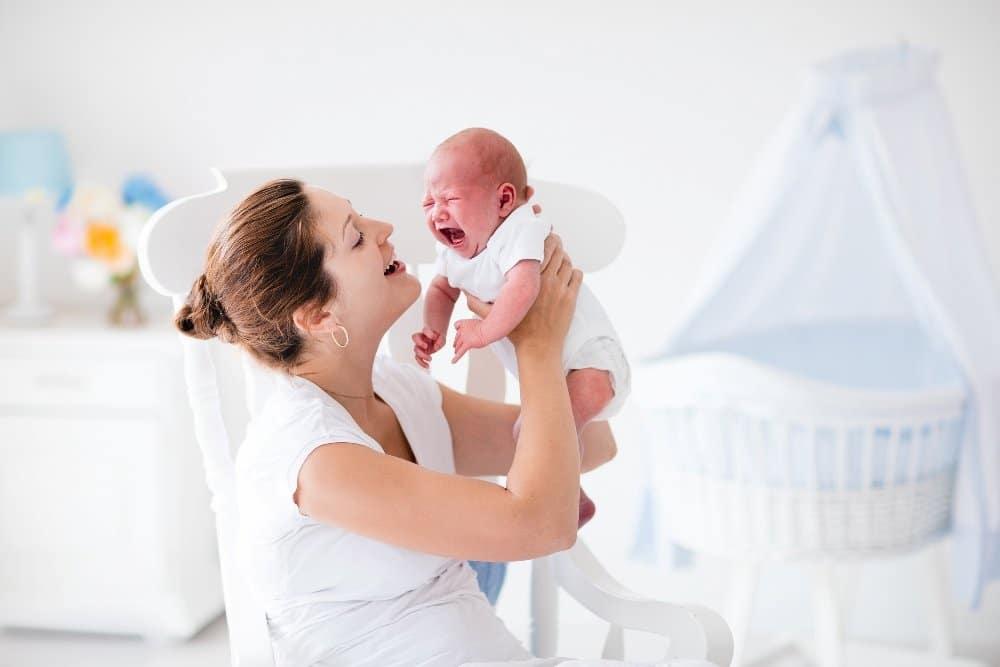 Consecuencias de dejar llorar al bebé