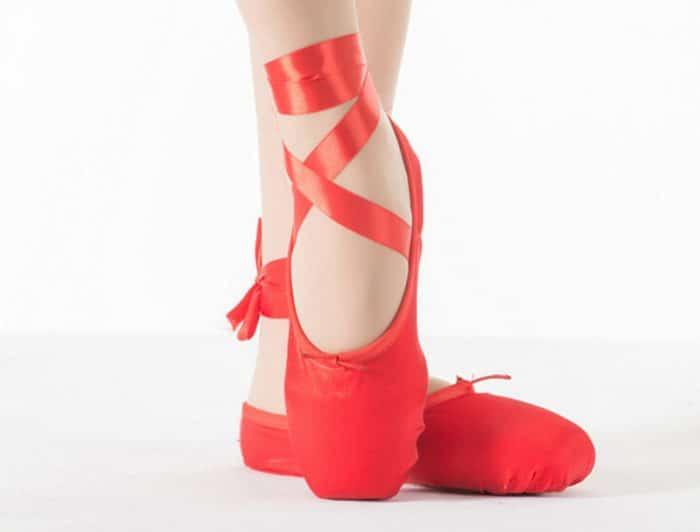 Las zapatillas rojas cuento