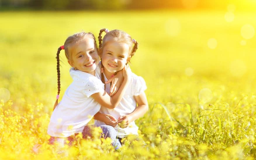 A ti: hermana, tía de mis hijos, mejor amiga y mitad de mi corazón