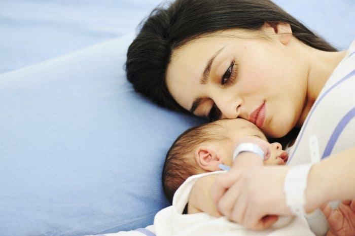 No me levanto por la noche a atender al bebé, yo trabajo y tú no