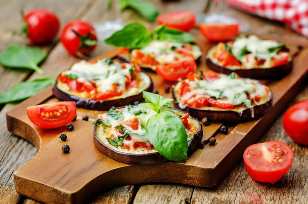 Receta rápida y fácil de Mini-pizzas de berenjena