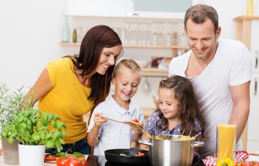 10 recetas rápidas y fáciles de hacer en casa para niños