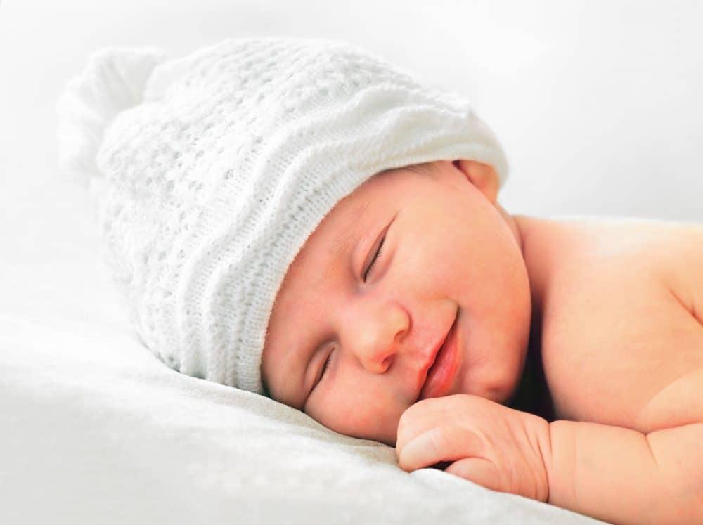 Cuándo un bebé empieza a dormir toda la noche