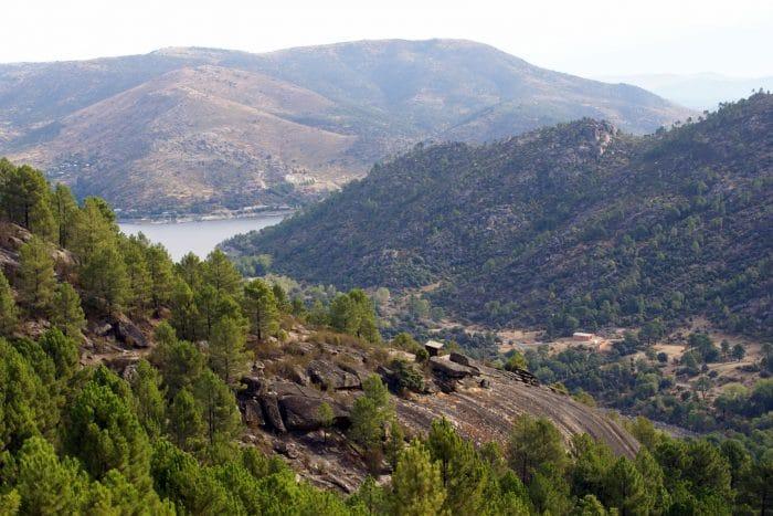 Excursión Lancha de las Víboras,Senda botánica en el Valle de Iruelas, en Ávila, Madrid