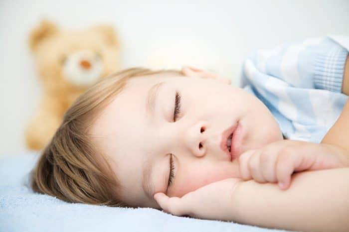 ¿Tu hijo pequeño aún se despierta por la noche?