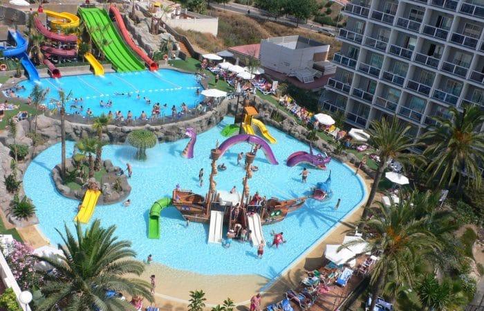 Hotel todo incluido con toboganes Los Patos Park, en Benalmádena