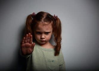 Enseñar a un niño a defenderse sin violencia