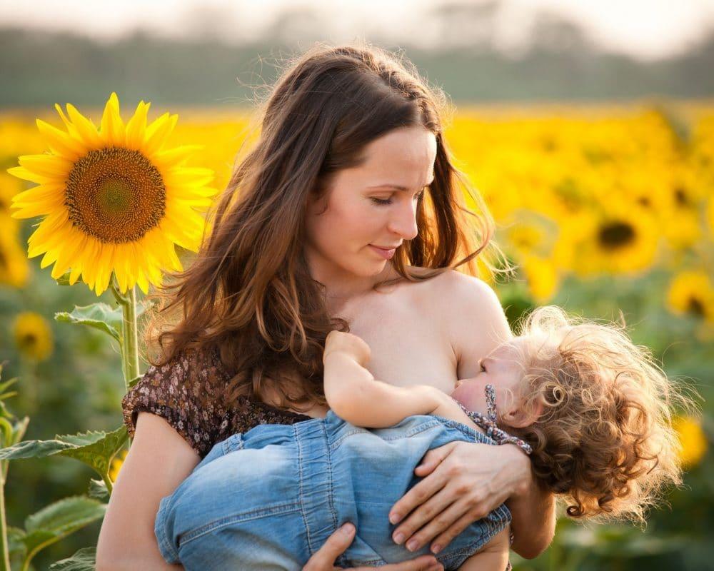 Pros y contras de alargar la lactancia materna después de los 6 meses
