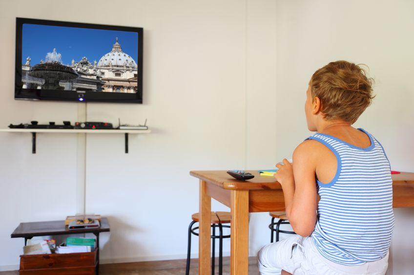 Niños solos en casa verano