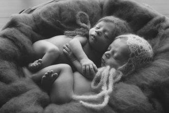 Bebés en blanco y negro