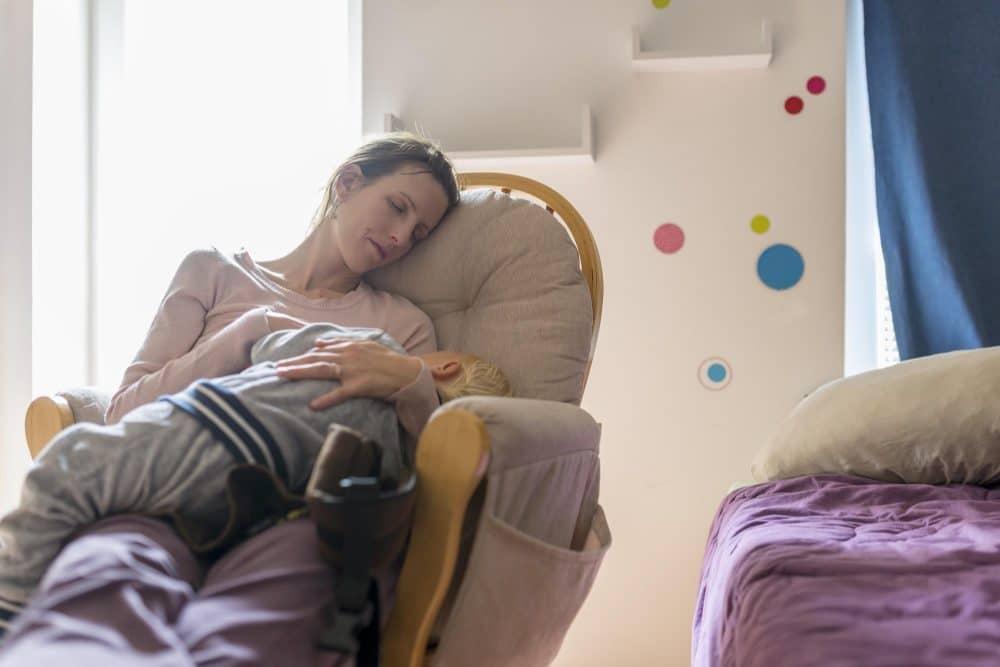 Cuidar hijos trabajo más agotador