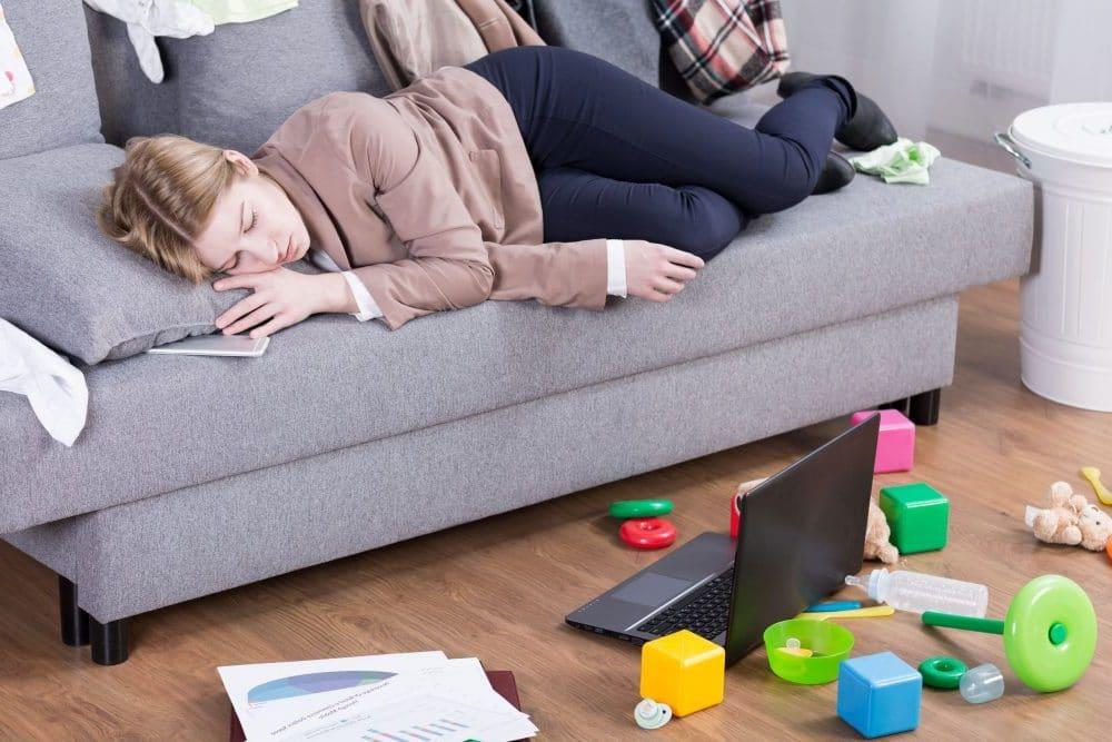 Cuidar hijos trabajo más cansado