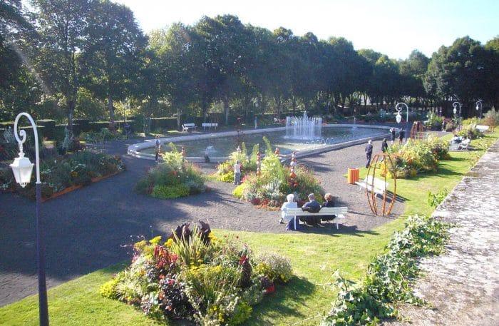 Viajar ElJardín botánico de la Abadía de Limoges, Francia