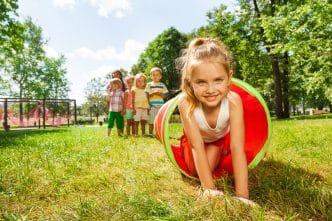 cerebro niños mientras juegan