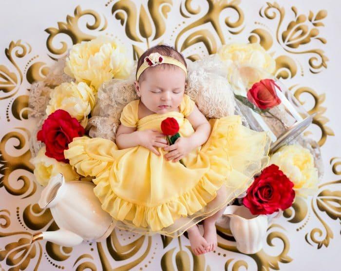 Foto bebé princesa Disney Bella (La bella y la bestia)