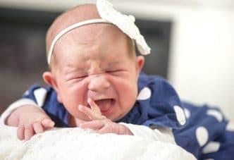 peligros cintas bandas cabeza bebés